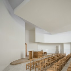 Alvaro Siza . Church of Saint-Jacques de la Lande . Rennes (55)