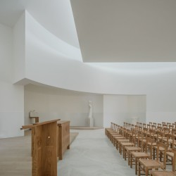Alvaro Siza . Church of Saint-Jacques de la Lande . Rennes (66)