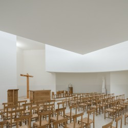 Alvaro Siza . Church of Saint-Jacques de la Lande . Rennes (71)