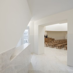 Alvaro Siza . Church of Saint-Jacques de la Lande . Rennes (75)