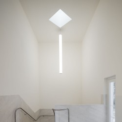 Alvaro Siza . Church of Saint-Jacques de la Lande . Rennes (85)