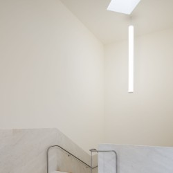 Alvaro Siza . Church of Saint-Jacques de la Lande . Rennes (86)