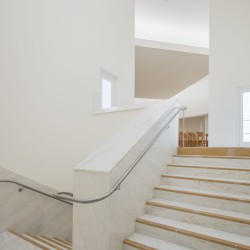 Alvaro Siza . Church of Saint-Jacques de la Lande . Rennes (90)