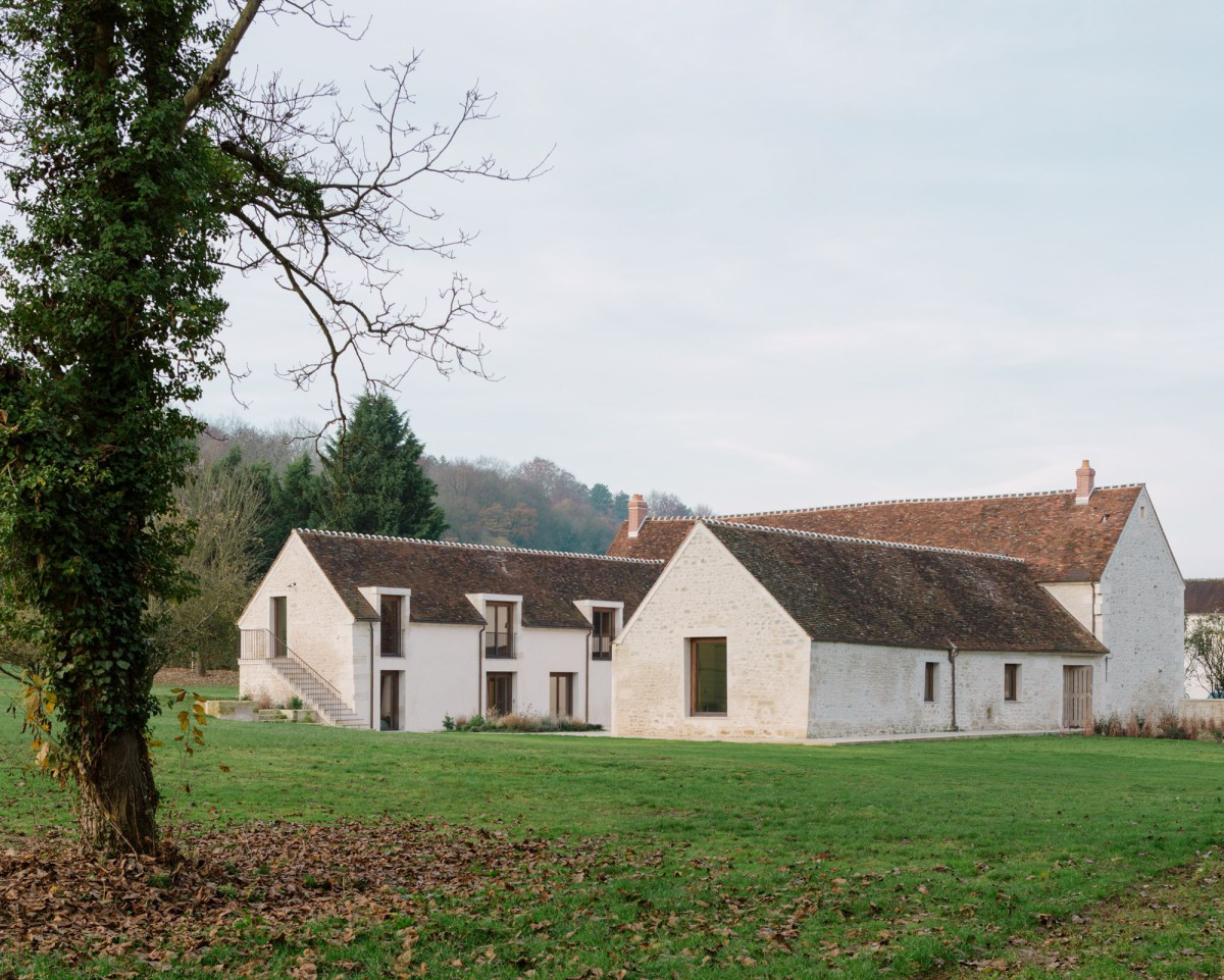 Collet & Muller . Renovation of an old farm . Seine et Marne (1)