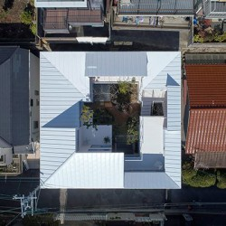 Tomohiro Hata . Loop Terrace . Hyogo (1)