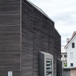 Peter Zumthor . Shelter for Roman Ruins .  Chur  (2)