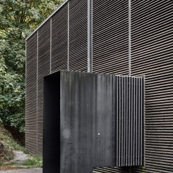 Peter Zumthor . Shelter for Roman Ruins .  Chur  (3)
