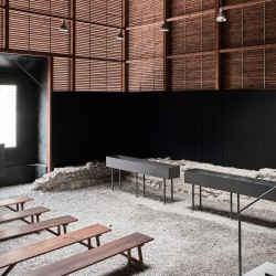 Peter Zumthor . Shelter for Roman Ruins .  Chur  (9)