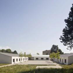 Montagnini Fusaro . Butikofer De Oliveira Vernay .  Dallaz Primary and middle school extension . Bussigny (3)
