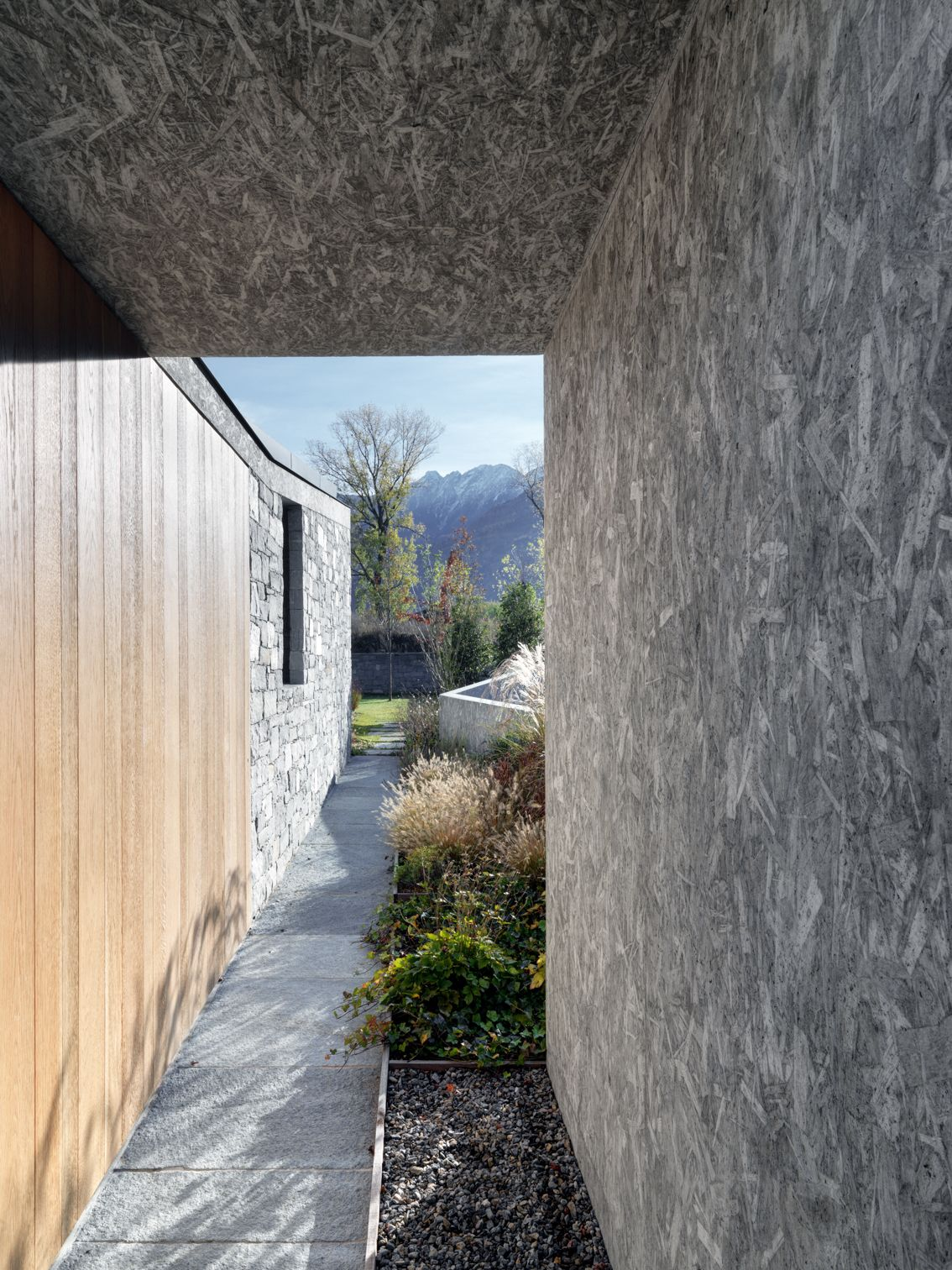 act_romegialli . Private house with patio .  Cosio Valtellino afasia (6)