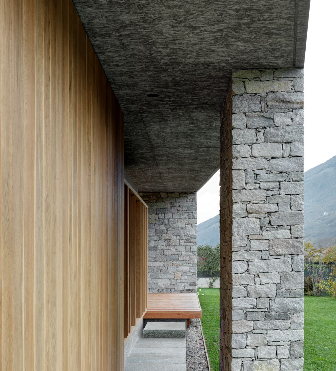 act_romegialli . Private house with patio .  Cosio Valtellino afasia (8)