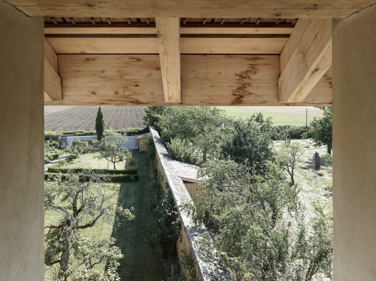 Charles Pictet .  Old barn Transformation . Landecy afasia (6)