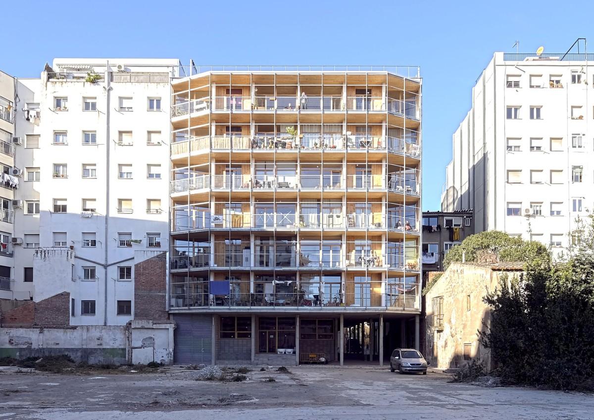 Lacol . Cooperativa d'habitatge La Borda . Barcelona afasia (1)