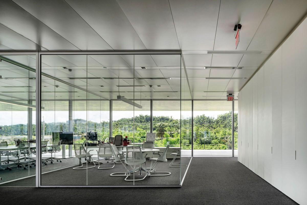 Ruiz Pardo & Nebreda . Puma Energy LatAm Headquarters . Puerto Rico  afasia (16)