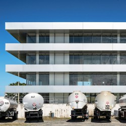 Ruiz Pardo & Nebreda . Puma Energy LatAm Headquarters . Puerto Rico  afasia (9)
