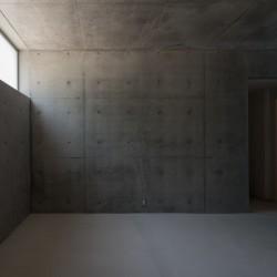 Kazunori Fujimoto . Concrete House . Ashiya afasia (10)