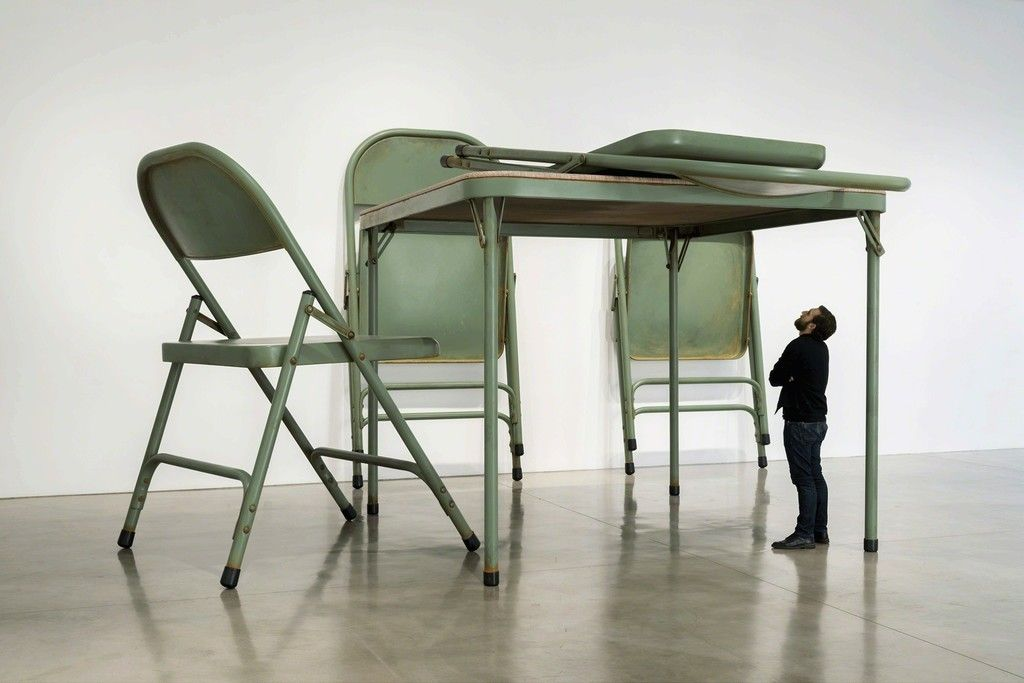 afasia Robert Therrien . No title (Folding table and chairs, green) . 2008 (1)