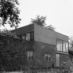 Alison and Peter Smithson . Upper Lawn Pavilion . WILTSHIRE afasia (9)