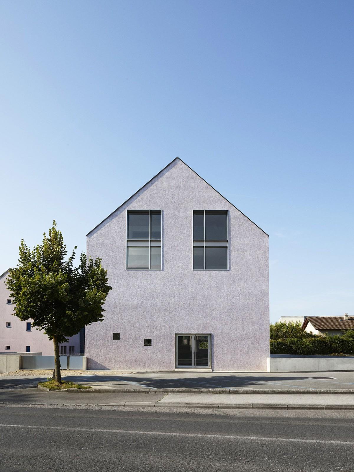 Collinfontaine Architectes . LA PETITE MAISON . Gland afasia (1)