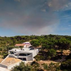 Contaminar Arquitectos . House in Leiria . Povo afasia (13)