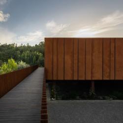 MMV Arquitectos . SUSPENDED MATTER BOX . Felgueiras afasia (4)
