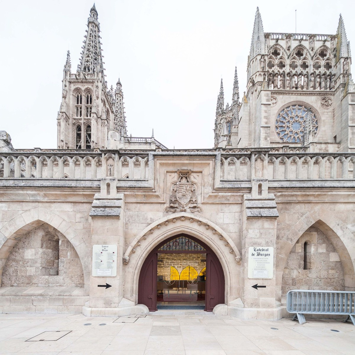 SIC Estudio . New access and store at the Cathedral . Burgos Esau Acosta afasia (2)