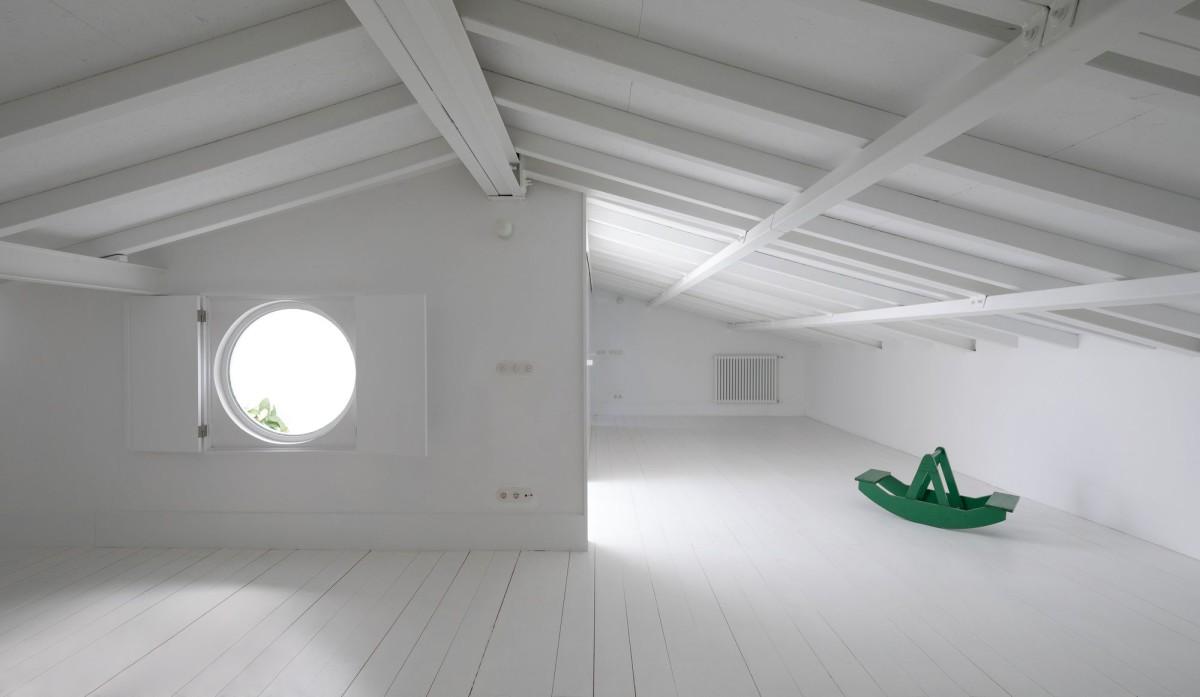 José Adrião . Borges Carneiro Apartment . Lisbon afasia Nuno Almendra (20)