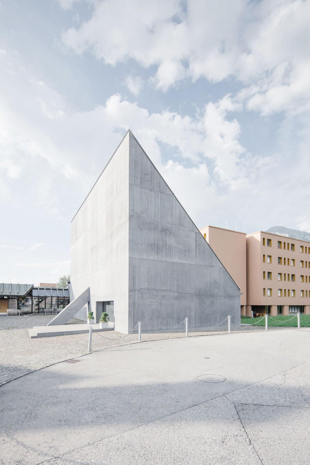 Valerio Olgiati . Plantahof Auditorium . Landquart Philippe Billard afasia (1)
