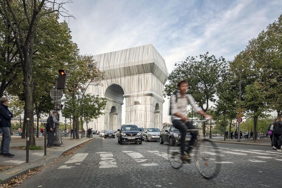 Christo . L'Arc de Triumph, Wrapped (Project for Paris) . 2021 Jad Sylla afasia (5)